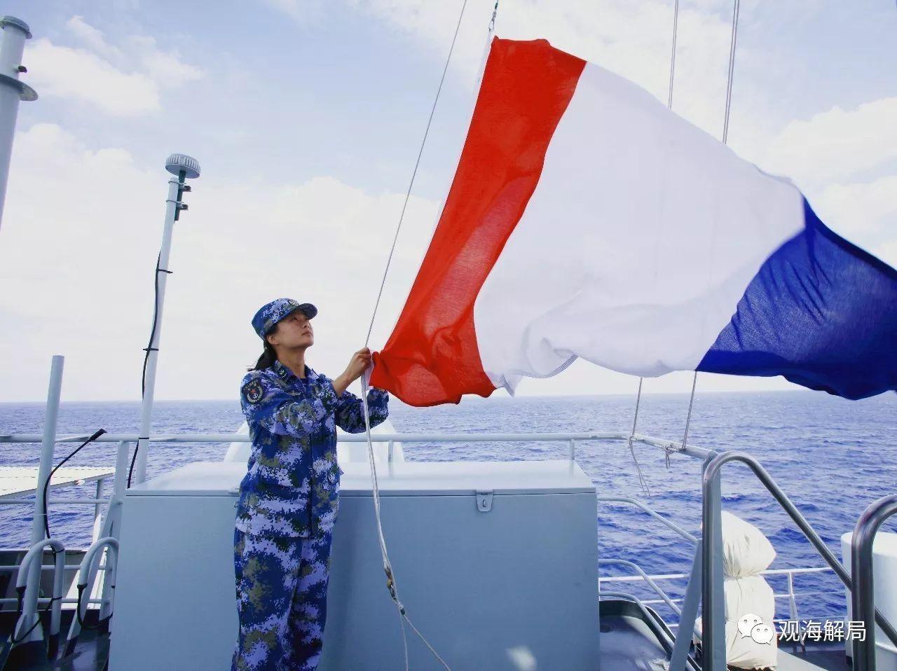 中国军舰上的女兵:亚丁湾掌舵与海盗交锋